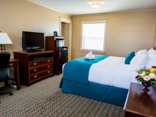 royal-inn-suites-hvgb-labrador-room-1-10