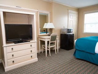 royal-inn-suites-hvgb-labrador-room-46-1