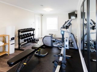 royal-inn-suites-hvgb-labrador-fitness-room-wide